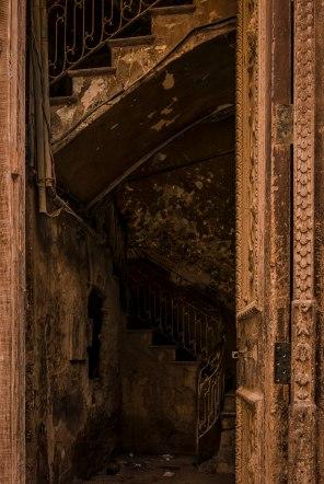 doorway-and-stairs-habana-vieja