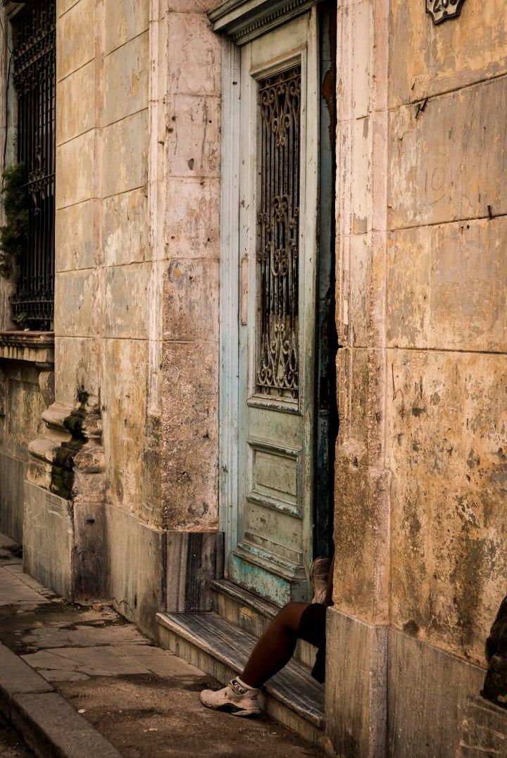 Habana Vieja: lookingin
