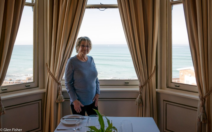 My mother at the window, Cucina Labia