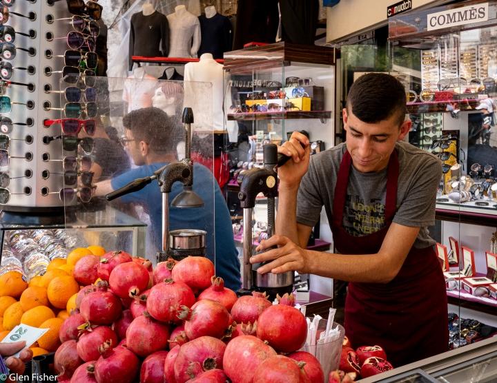 Pomegranate seller, Istanbul