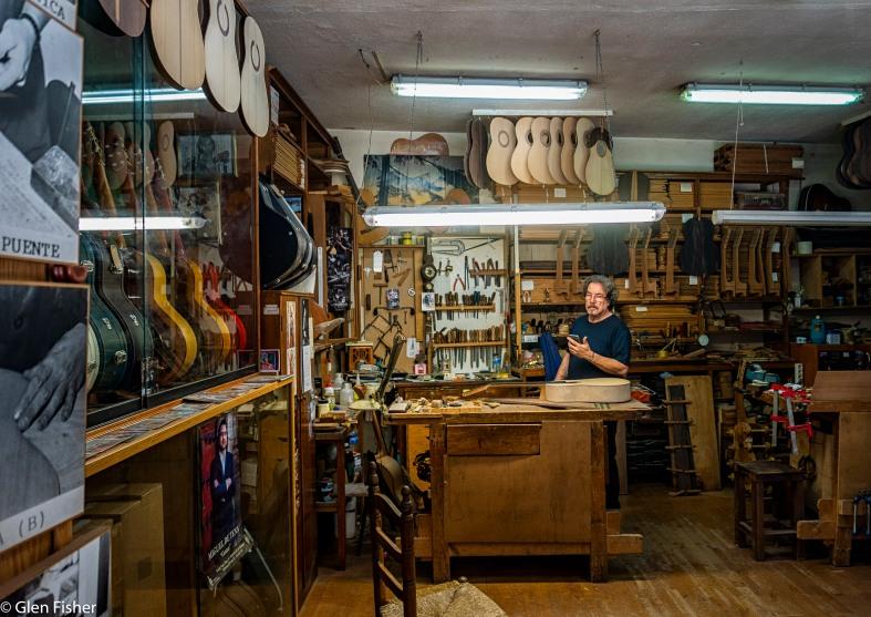 Guitar maker, Sevilla.jpg